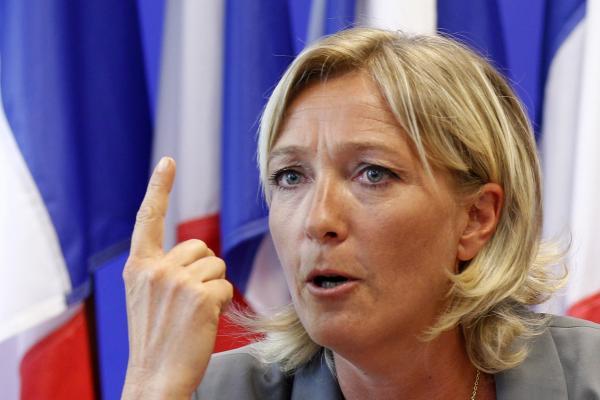 Дорогу националистам! Французы поддерживают оппозиционера Марин Ле Пен
