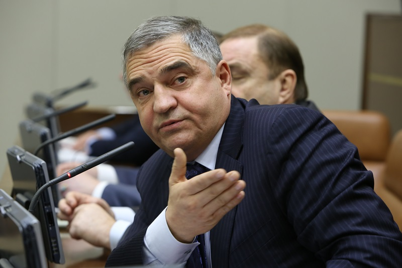Евгений Тарло против партийности членов Совета Федерации