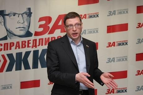 Бурков продолжает держать удары администрации Екатеринбурга