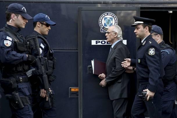 Экс-министру обороны Греции дали 20 лет тюрьмы