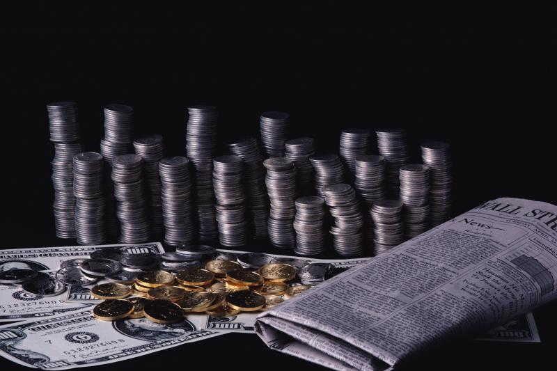 Эсеры предложили сажать банкиров за самоубийства должников