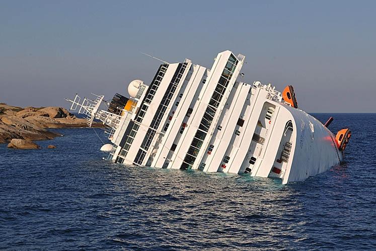 Спустя 8 месяцев на Costa Concordia найдено тело