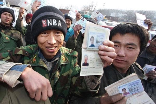 Таджикские мигранты смогут работать в России 3 года