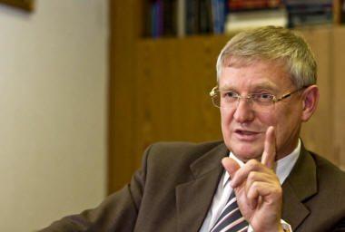 Виктор Шудегов против жесткой политики по отношению к детям мигрантов