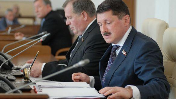 Голосование по вопросу об отставке вице-спикера Алтайского краевого Заксобрания Осипова отложили на декабрь