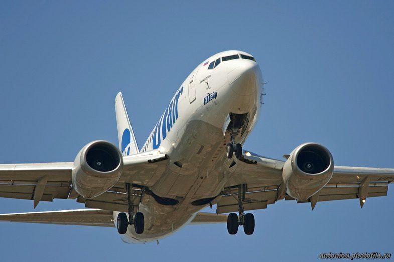 Самолет вернулся в Ростов из-за разгерметизации в салоне