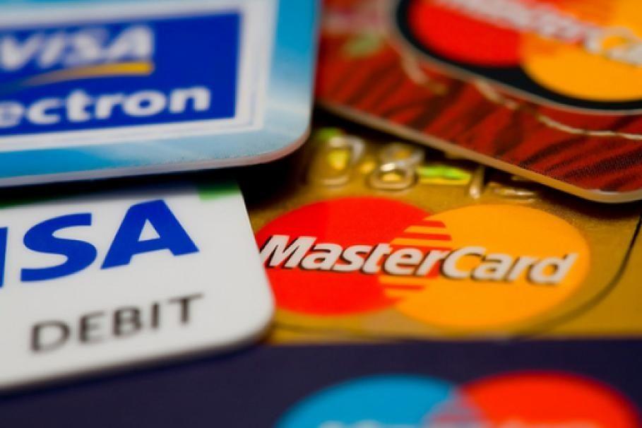 Дистанционные продажи кредитных карт никто не отменял