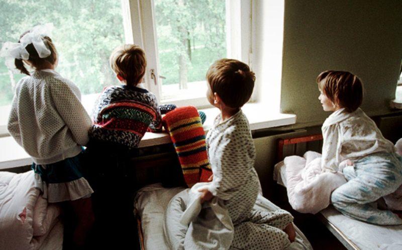 Российских сирот не отдадут в страны, не имеющие соглашения по усыновлению с РФ