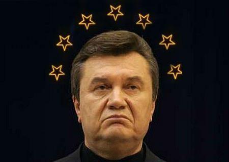 Янукович заявил, что Россия шантажирует Украину