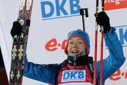 Ольга Зайцева выиграла серебро в спринте КМ по биатлону в Эстерсунде