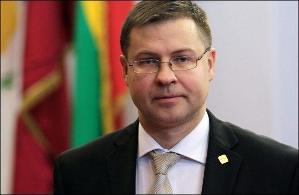 Зачем премьер-министр Латвии подал в отставку?