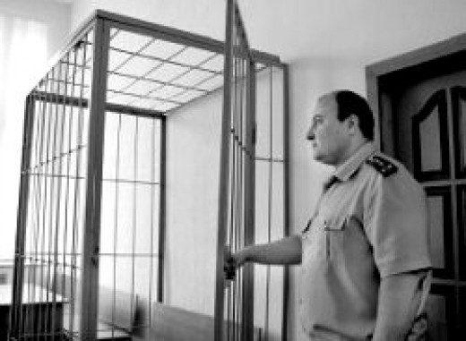 Экс-сотрудника кущевского РОВД осудят за издевательства