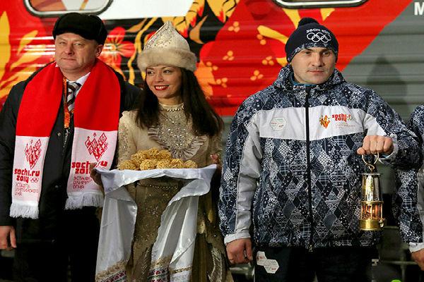 Татарстан встретил олимпийский огонь Сочи-2014