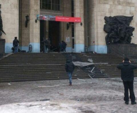 Теракт на железнодорожном вокзале Волгограда устроила шахидка: 13 человек погибло. Видео