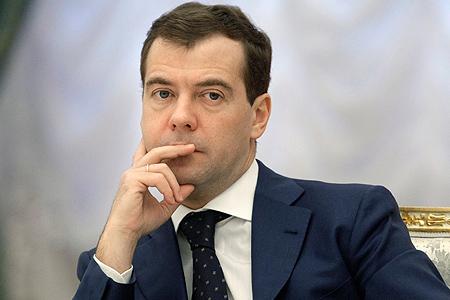 Медведев пообещал создать к 2020 году 25 млн рабочих мест