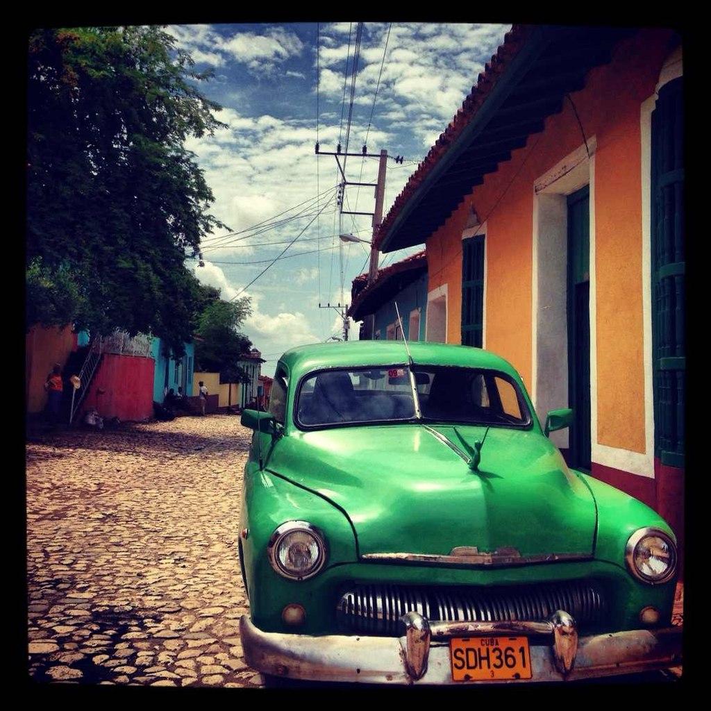 Гражданам Кубы разрешили покупать новые автомобили