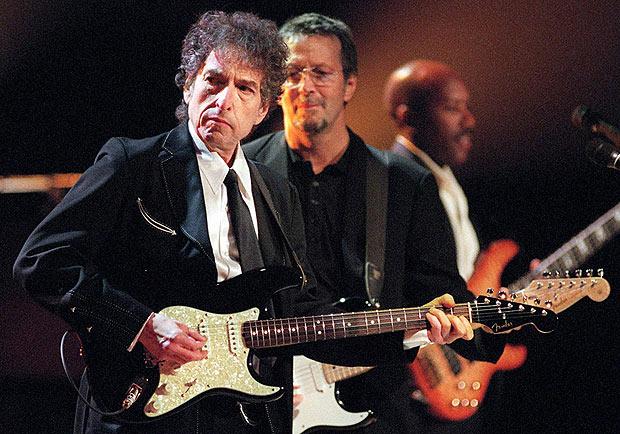 Электрогитара Боба Дилана ушла за миллион баксов