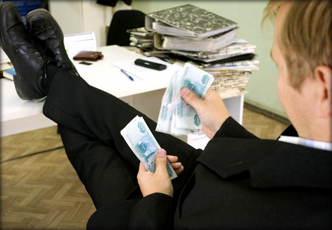 Госдума не собирается облагать налогом доходы богачей