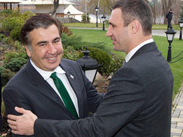 Саакашвили заявил, что Россия пытается захватить Украину