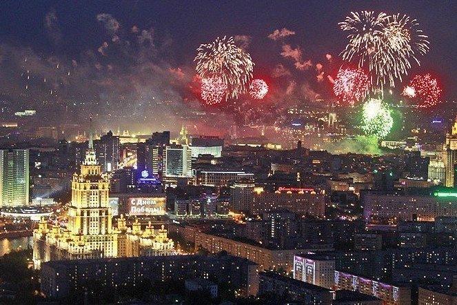 Куда пойти в Новогоднюю ночь в Москве?