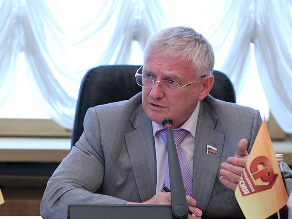 Виктор Шудегов: В системе среднего профессионального образования для детей-сирот надо создавать места с полным государственным содержанием