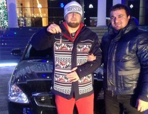 Рамзан Кадыров передарил выигранную за