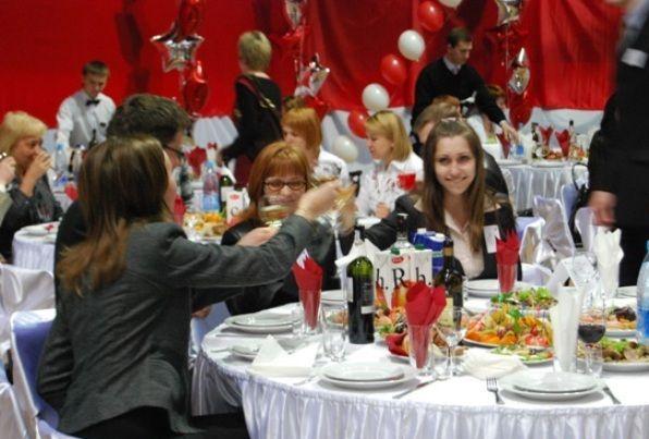 На новогоднем корпоративе в Якутии отравились более 60 человек