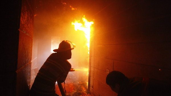 Пожар в Москве унес жизни двух спасателей
