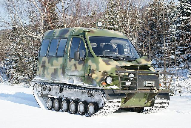 Годовалого малыша в больницу Волгограда доставили на снегоболотоходе