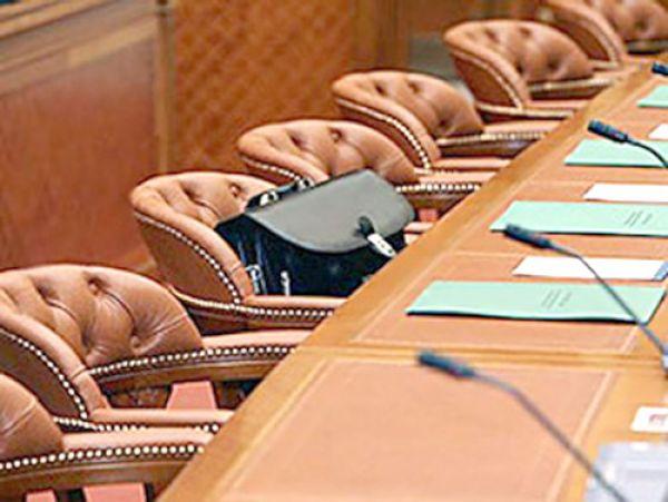 Псковский губернатор не намерен отказываться от должности главы региона