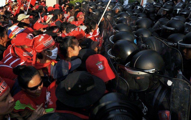 Беспорядки в Таиланде: 5 человек погибло.