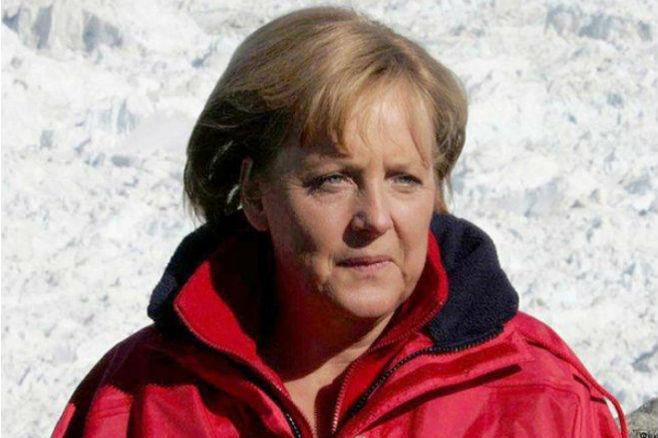 Ангела Меркель получила трещину в тазовой кости, катаясь на лыжах