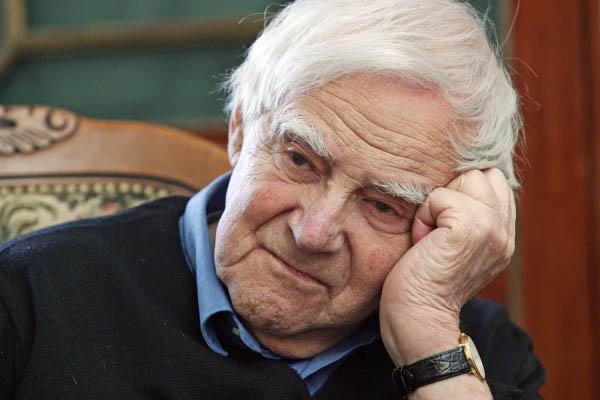 Известный писатель Даниил Гранин празднует 95-летие