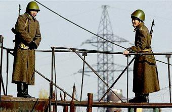 Из-за стрельбы на киргизско-таджикской границе Киргизия вводит усиленный режим охраны