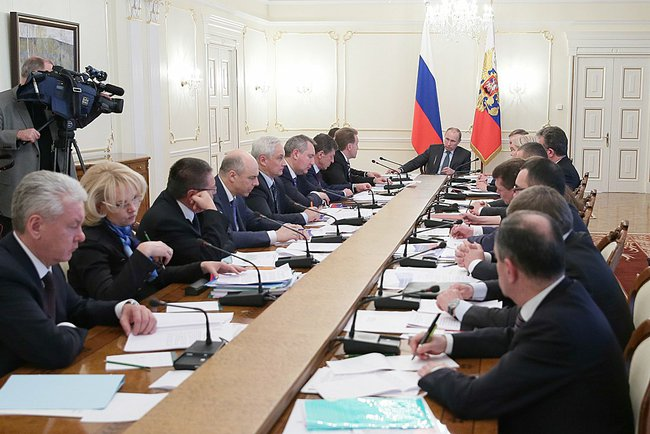 За срыв исполнения «майских указов» министров и глав субъектов будут штрафовать