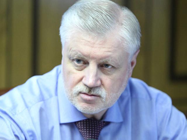 «На фоне абсолютно непрофессиональной работы Правительства Госдума должна больше брать на себя ответственности»