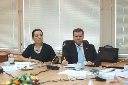 Экспертный совет «Справедливой России» по законодательству о борьбе с наркоманией, алкоголизмом и табакокурением провел первое заседание