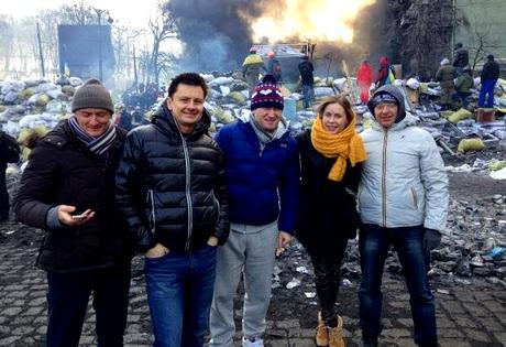 «Уральские пельмени» заценили баррикады Майдана. Все не так страшно и даже весело