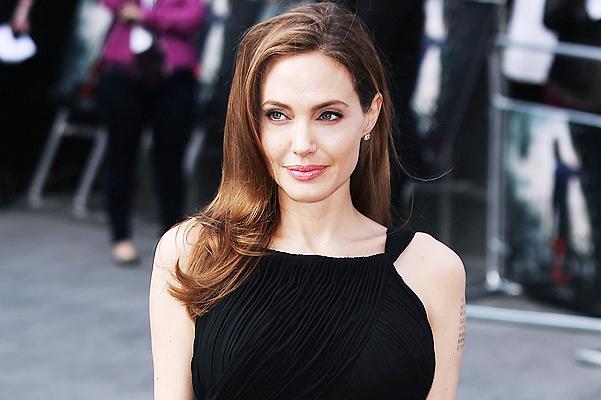 Анджелина Джоли сделает операцию, чтобы выйти замуж