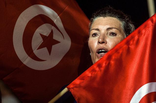 В Тунисе женщин уравняли в правах с мужчинами