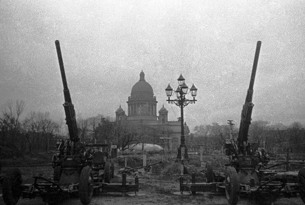 «Справедливая Россия» предложила скорректировать официальное название годовщины освобождения Ленинграда