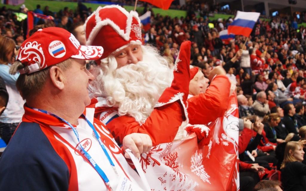 Дед Мороз купил билеты на Олимпийские игры в Сочи