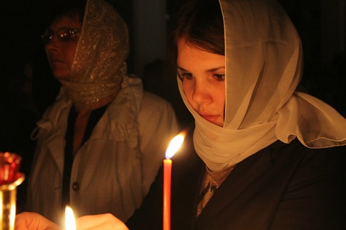 Православные отмечают Рождество. Путин и Медведев приняли участие в молебнах