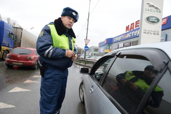 ГАИ сможет отстранять от управления автомобилем судей и дипломатов
