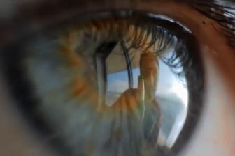 Ученые научились фотографировать людей с отражения на радужке глаза