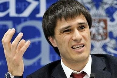 Гаттаров уходит из Совета Федерации из-за Дубровского