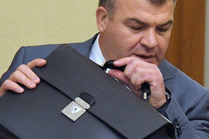 Зять Сердюкова подозревается в растрате