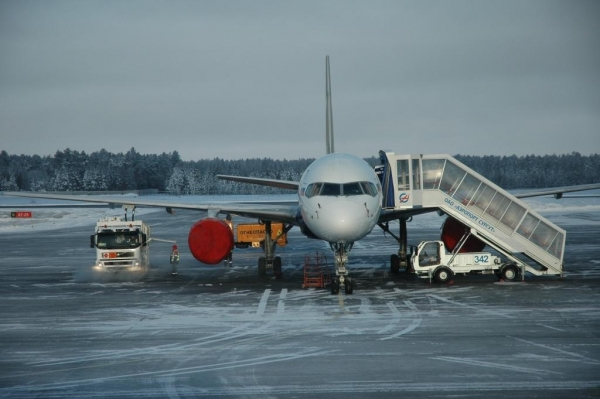 Холода «заморозили» авиарейсы из Сургута