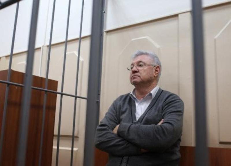 Адвокат мэра Астрахани пытался оспорить отстранение Столярова от должности
