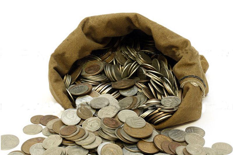 Курс валют не интересует половину населения России